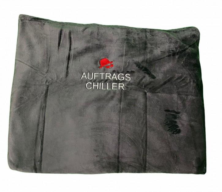 Kuscheldecke mit Stickmotiv-Auftrags-Chiller, 150 x 200 cm, anthrazit, Schrift- Stickfarbe zur Auswahl