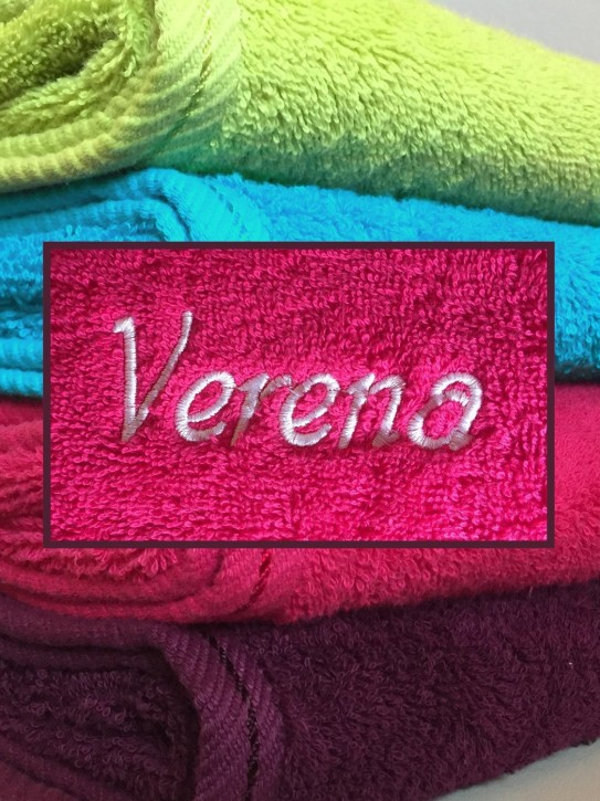 Duschtuch mit Name bestickt, 70x140cm, himbeere; durchgehender Flor, leuchtende Farbe