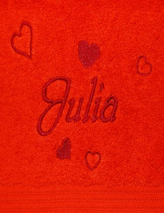Handtuch mit Herzen & Name bestickt, 50x100cm, karminrot; edel und hautsympathisch